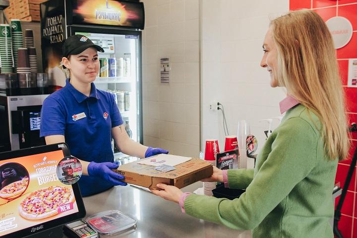 ВDomino's Pizza внедрили дополнительные меры безопасности навсех этапах производства