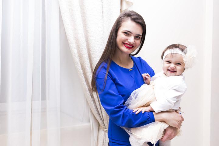 Елена Плющева с дочкой Анфисой. Фото из личного архива