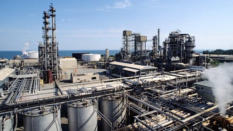 Завод Petro-Canada Lubricants в Миссиссога (Канада).Фото из архива Petro-Canada