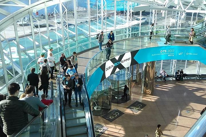 Фото с сайта www.revolve.ie