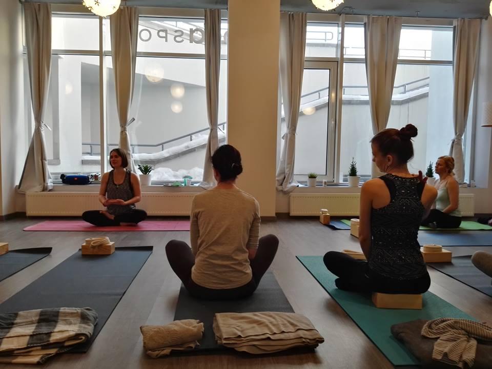 Фото со страницы YogaSpot.by в Facebook