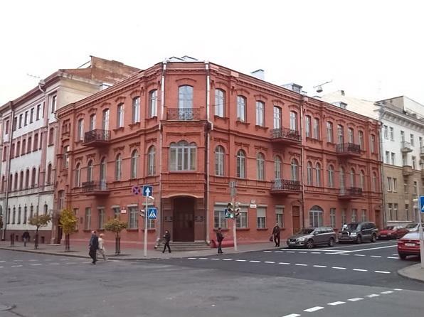 Здание по адресу Карла Маркса, 5. Сейчас здесь располагается Комитет госконтроля. Фото: wikimapia.org