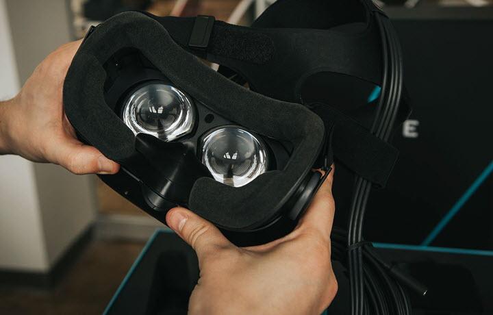 HTC Vive. Фото с сайта digitaltrends.com