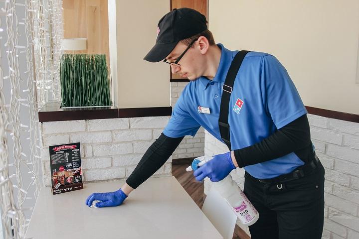 Тщательная ежедневная уборка пиццерий— правило Domino's