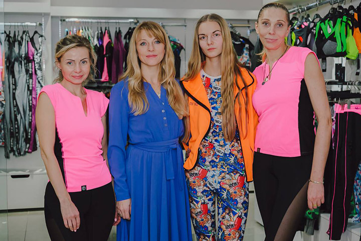 Виктория Жигунова с сотрудниками. Фото предоставлено автором